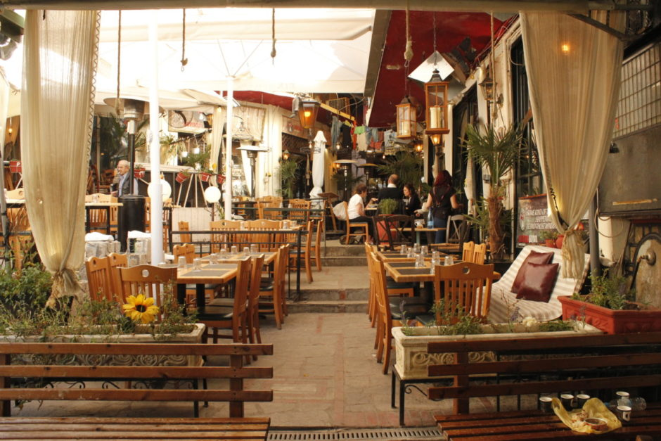 A taverna ready to welcome hungry customers.